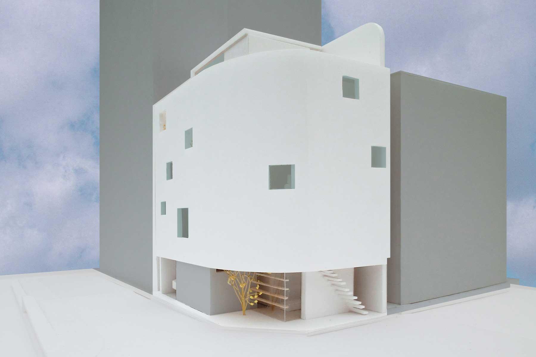 大阪市中央区OI邸|店舗・教室・2世帯住宅が大きな階段でつながる